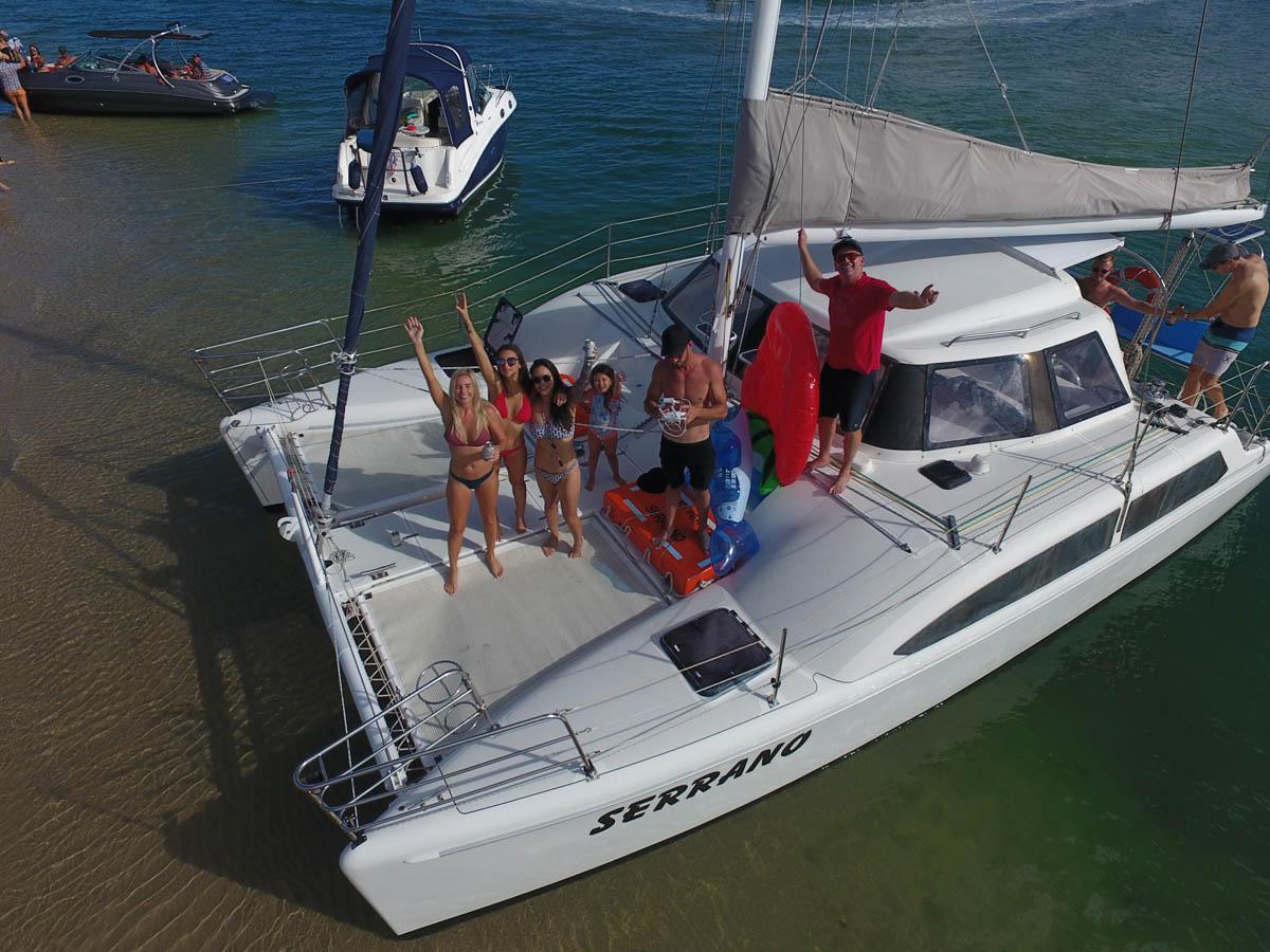 Boat Charter at Wavebreak Island